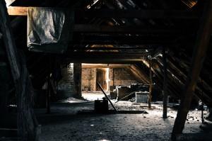 attic-112269_1920